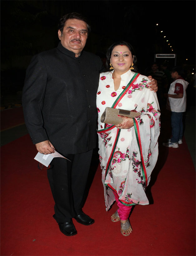 Raza Murad with wife Samina