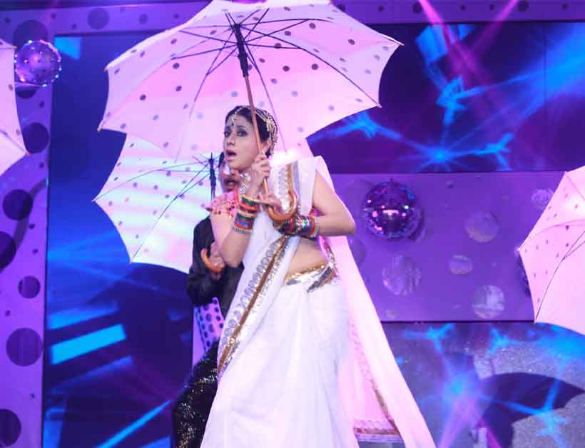Urmila Matondkar Performing at the awards