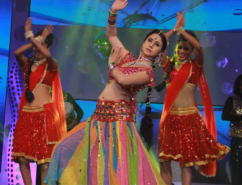 Urmila In Daud Urmila Matondkar Performing at