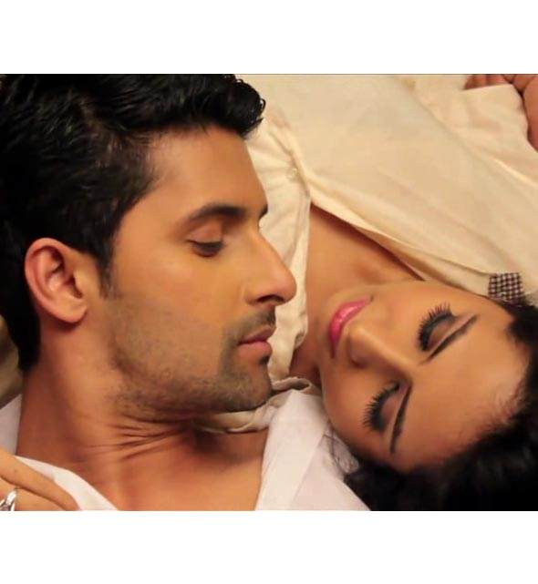 GR8! TV MAGAZINE'S EXCLUSIVE 10TH ANNIVERSARY SHOOT OF SARGUN MEHTA & RAVI DUBEY