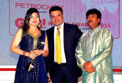 Sachin Singhal (Executive Director of Commercials- Cool FM) and Rashid Khan to Alka Yagnik