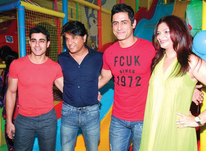 Photo of Mohit Raina & his friend  Nikhil Sinha