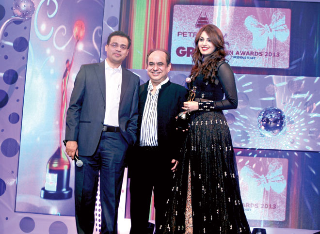 Ajay Pandey (CEO- Gitanjanli, Middle East) and George Jatania (Chairman- Sun Global Investments Ltd.) to Anushka Ranjan for beti - Brand Ambassador