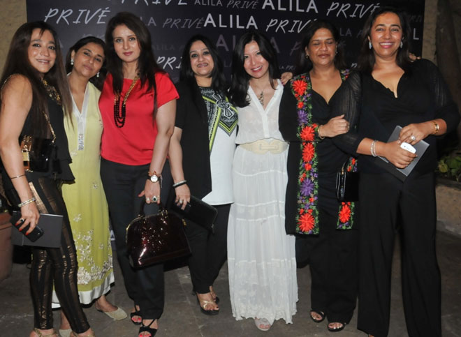 Lovely Ladies at the Special Art Soiree for Beti!