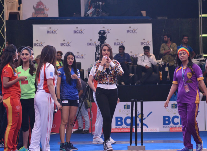 Gr8 Tv Magazine Box Cricket League Starts With A Bang On